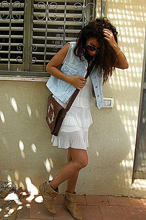 Secondhand dress - Secondhand vest - India