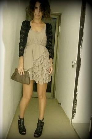 beige H&M dress