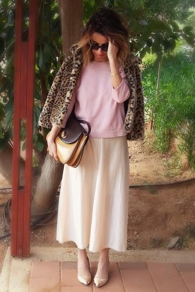 silk vintage dress - pink vintage sweater - leather vi bag