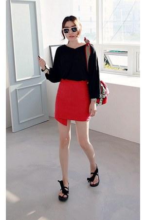 black MIAMASVIN top - red MIAMASVIN skirt - MIAMASVIN sandals