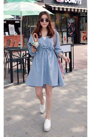sky blue MIAMASVIN dress - white MIAMASVIN sneakers