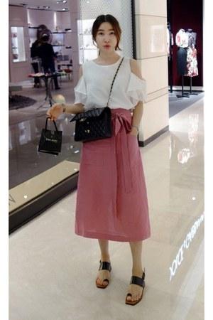 tawny MIAMASVIN sandals - black Chanel bag - pink MIAMASVIN skirt
