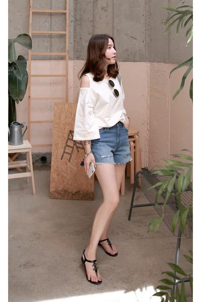 b7c7770fc2b0dd navy MIAMASVIN shorts - white MIAMASVIN top - black thong sandals Chanel  flats