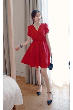 red MIAMASVIN dress - black point toe flats MIAMASVIN flats