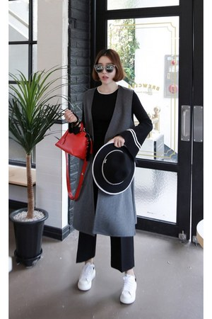 charcoal gray MIAMASVIN vest - ruby red MIAMASVIN pants