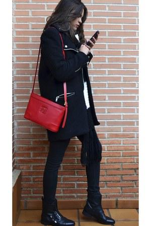 pull&bear boots - Stradivarius coat - loewe bag - Zara t-shirt