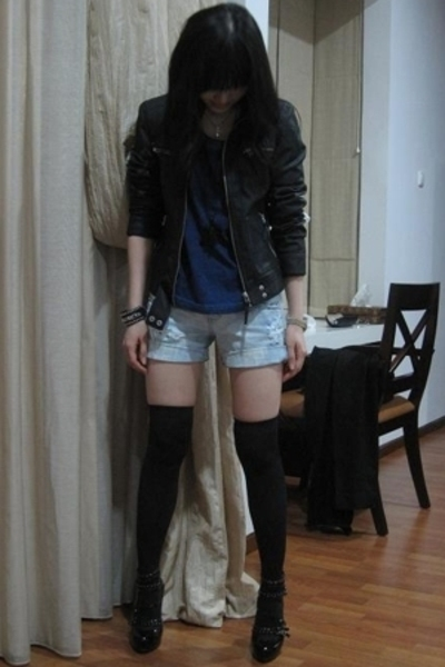 Zara jacket - Zara t-shirt - Zara shorts - Mollini shoes