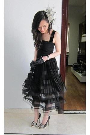 romance was born skirt - D&G top - Nicholas Kirkwood shoes