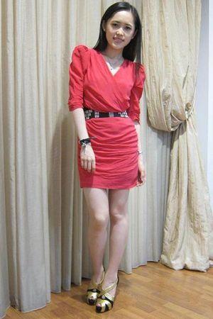 pink Maje dress - black Topshop belt - Loubs shoes