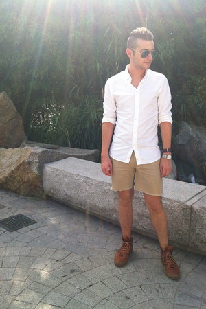 white H&M shirt - tan diy JCrew shorts - aviator Ray Ban sunglasses