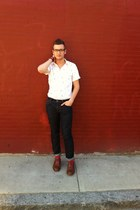 white Topman shirt - brown wingtip cole shoes - Levis jeans