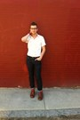 Brown-wingtip-cole-shoes-levis-jeans-white-topman-shirt
