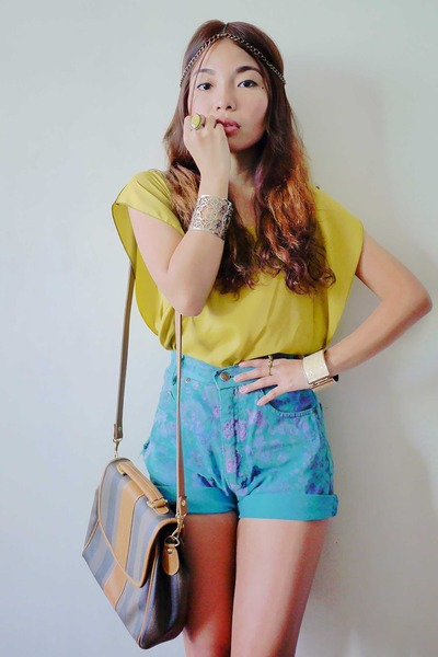flowy top top - vintage Fendi bag - high waisted thrifted vintage shorts