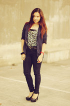 black Forever 21 pumps - navy denim jeans Gap jeans - navy blazer Tomato blazer