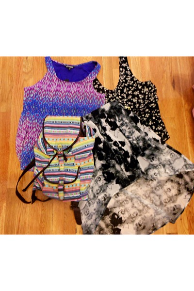 Forever21 bag - black and white Forever 21 top - multi-color Express top