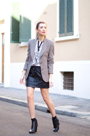 brown Zara blazer