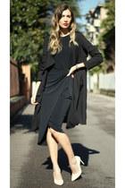 black WalG dress