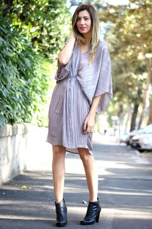tan H&M dress