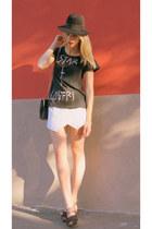 Maykool t-shirt - Bimba y Lola heels - Zara skirt