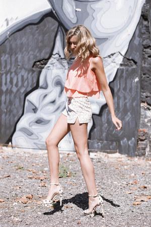 cream hidden forest shorts - light orange WalG top - pink Zara heels