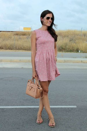 neutral Mango bag - bubble gum kling dress - Ray Ban sunglasses
