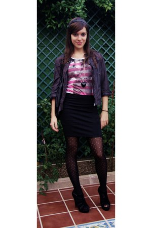 black Stradivarius skirt - hot pink Mango t-shirt - black maripaz shoes - black