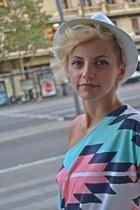 white Bershka hat - Zara shorts - bubble gum Bershka t-shirt