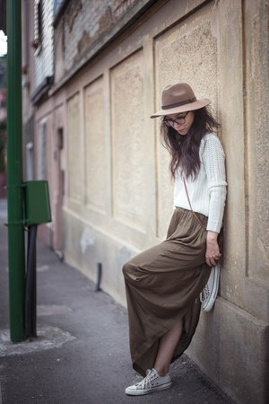 green Mango skirt - beige H&M hat - white Mango sweater - brown c&a bag