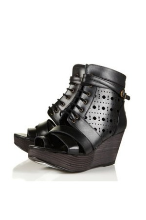 Miista wedges