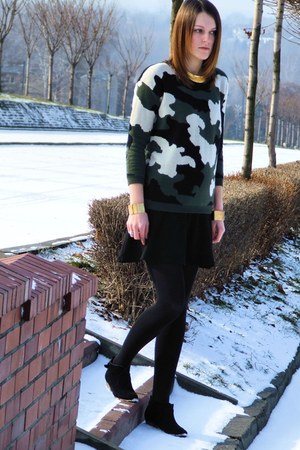 Sheinside sweater - New Yorker boots - conte tights - F&amp;F skirt - Iloko bracelet