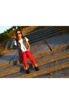 H&M necklace - Deichmann boots - firmoo sunglasses - Vila vest - Auchan t-shirt