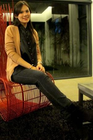 camel Forever 21 cardigan - deep purple Zara boots - dark gray skinny Zara jeans