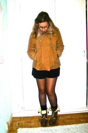 black H&M shorts - bronze Clef de Sol coat - black Zara tights