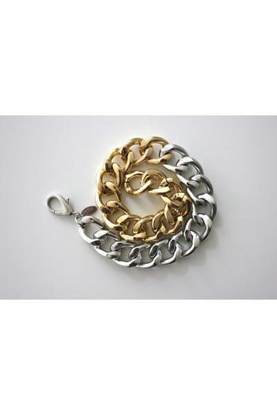 Mikkis Fashions bracelet