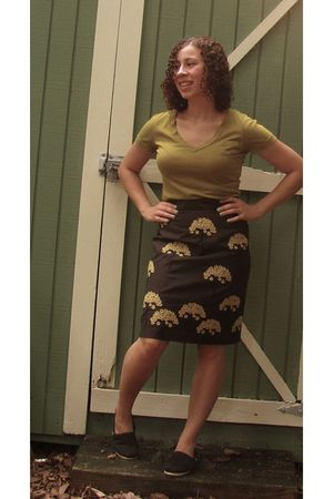 green Target t-shirt - gray Anthropologie skirt - black TOMS shoes