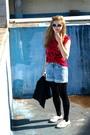 Red-vintage-blouse-blue-vintagediy-shorts-black-tights