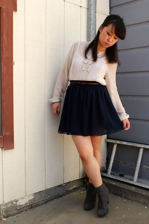 navy American Apparel skirt - gray Report boots - brown Urban Outfitters belt