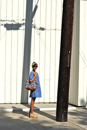 blue denim vintage dress - blue tote Rebecca Minkoff bag