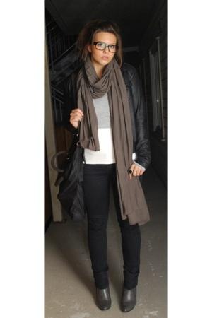 AMERICAN VINTAGE scarf - grey sweater - sophie faroh top - H&M jeans - Din Sko s