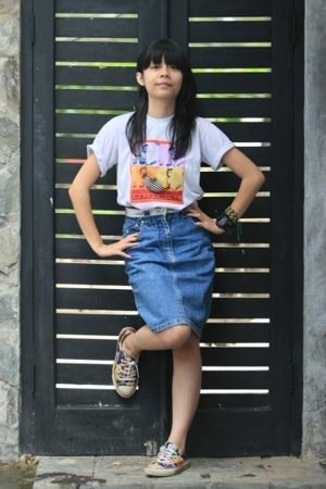 DIY stuff t-shirt - Hanny & Robert jeans skirt - customize Converse shoes