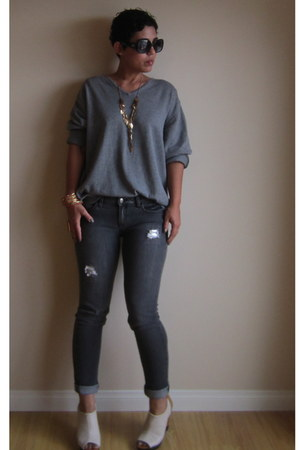 heather gray sweater - charcoal gray Forever 21 jeans - off white go jane wedges