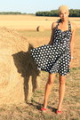 Black-polka-dot-hell-bunny-skirt-black-hell-bunny-top-red-red-star-cubanas-w