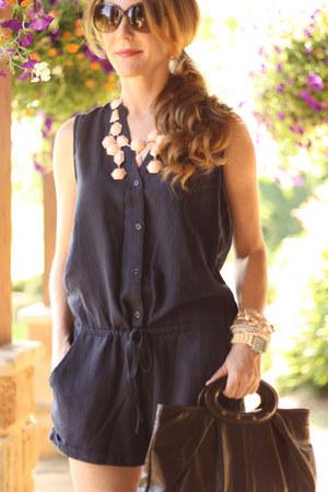 H&M necklace - navy Old Navy jumper