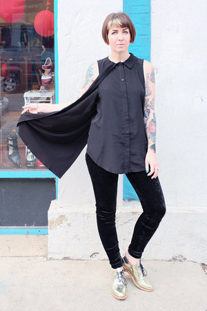 gold Fluevog shoes - velvet Forever 21 leggings - black cape Nasty Gal shirt