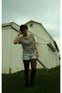 Black-glasses-gray-shirt-blue-shorts-black-tights-black-nike-shoes-bla