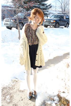 vintage sweater - Vans shoes - Target tights - Imaginary Voyage blouse