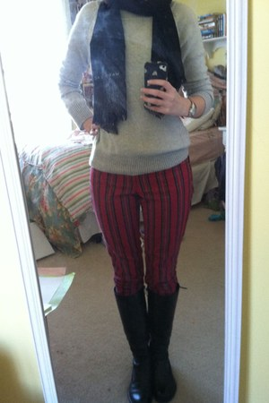 black boots - brick red Gap jeans - silver Gap sweater - black Marc Jacobs scarf