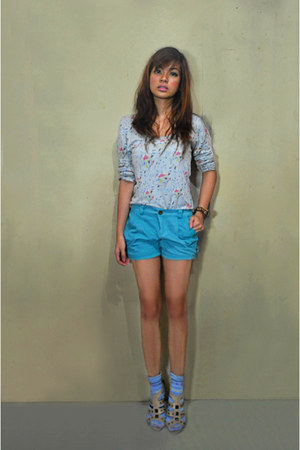 turquoise blue Folded and Hung shorts - light blue blouse