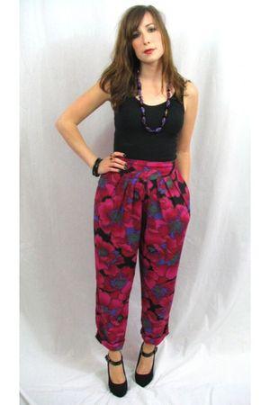 pink MIskabelle pants - black top - black shoes