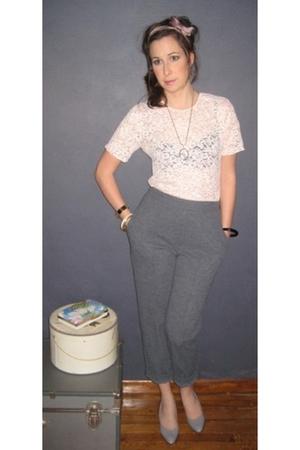 pink MIskabelle top - gray MIskabelle pants - gray MIskabelle shoes